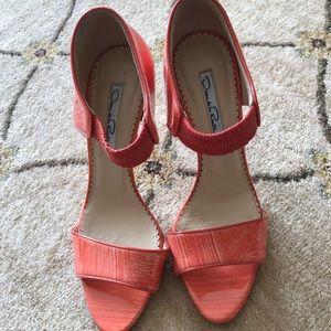 Oscar de la Renta coral glossy heels